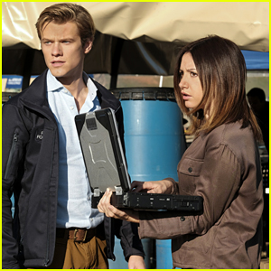 Ashley Tisdale Guest Stars on 'MacGyver' with Lucas Till Tonight!
