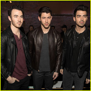 TESTING: Nick Jonas Gets Support From Joe & Kevin at 'John Varvatos' Event